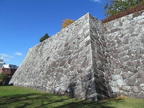擁壁の安全性は「構造」と「排水性能」をチェック☑