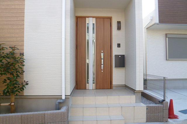 玄関ポーチ 段差があります。ない見の際にご確認下さい