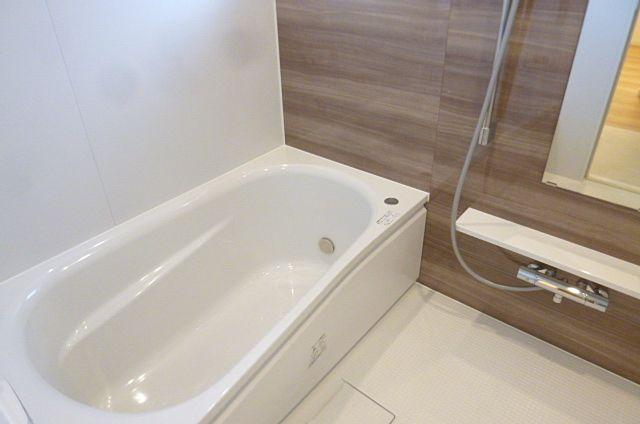 追い炊き機能付き浴室