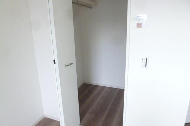8帖の寝室にはWICがあります!