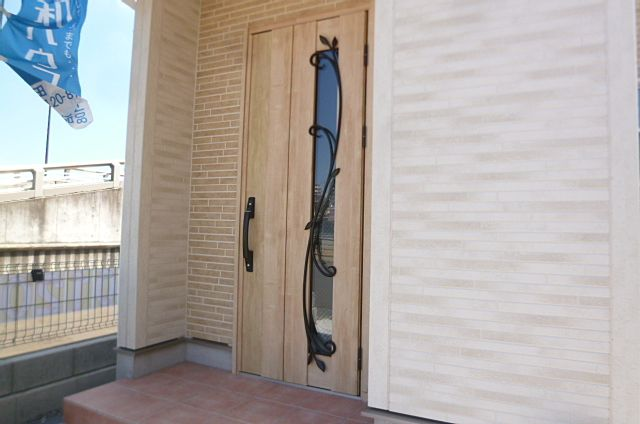 玄関ドア・ポーチ